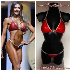 Bikini red mist, cup C padded, bottom XS, 4 rows chains and square, density 4 siam and double outline crystal - SECOND HAND